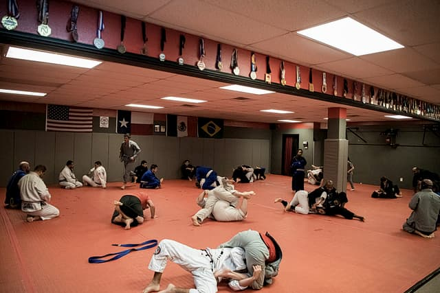 A jiu jitsu open mat in progress